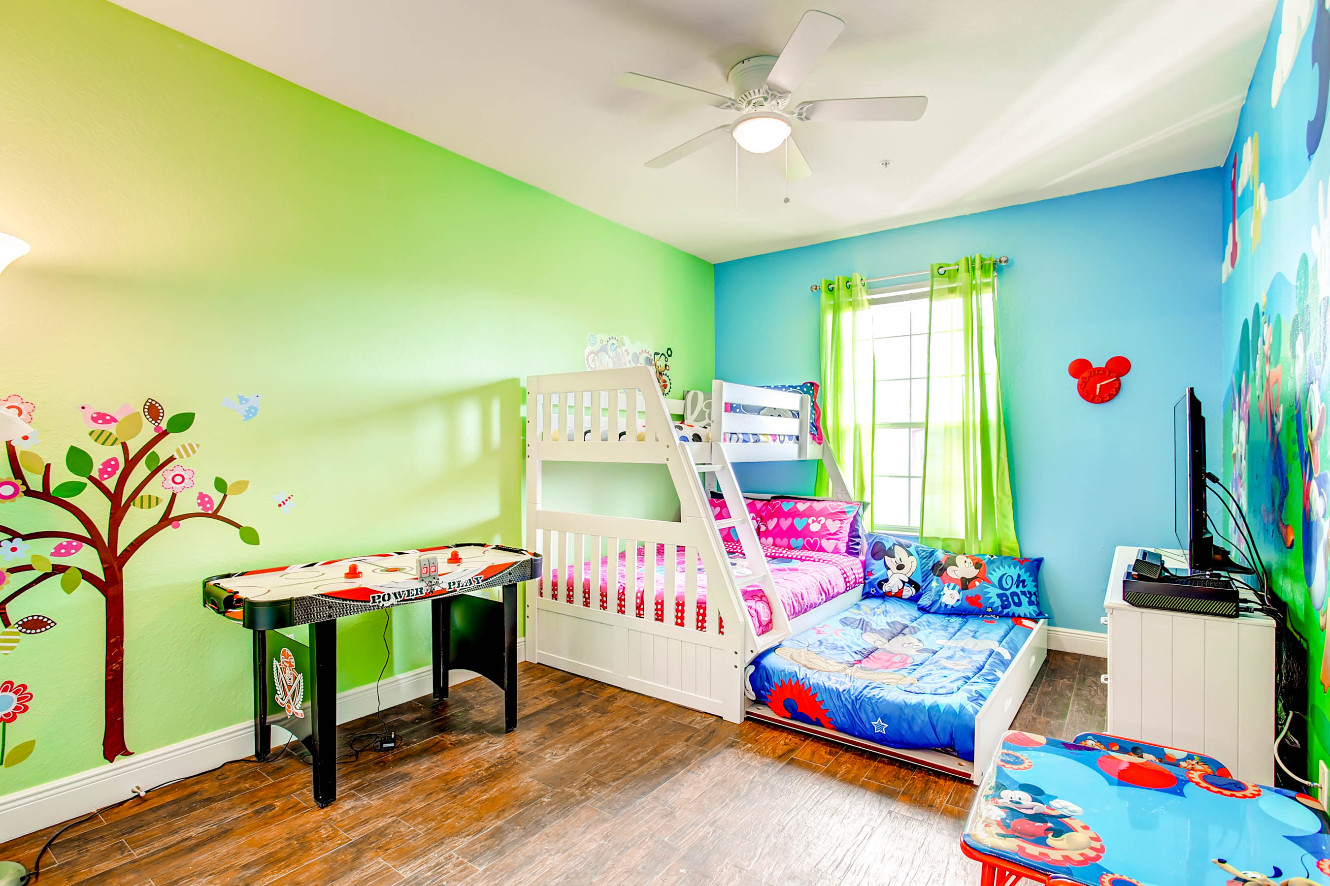 Mickey Mouse Bedroom Wallpaper Gallery Mickey Mouse Condo At Windsor Hills